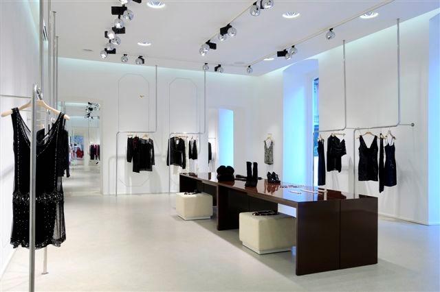 Arredamento su misura per negozi arredouno srl