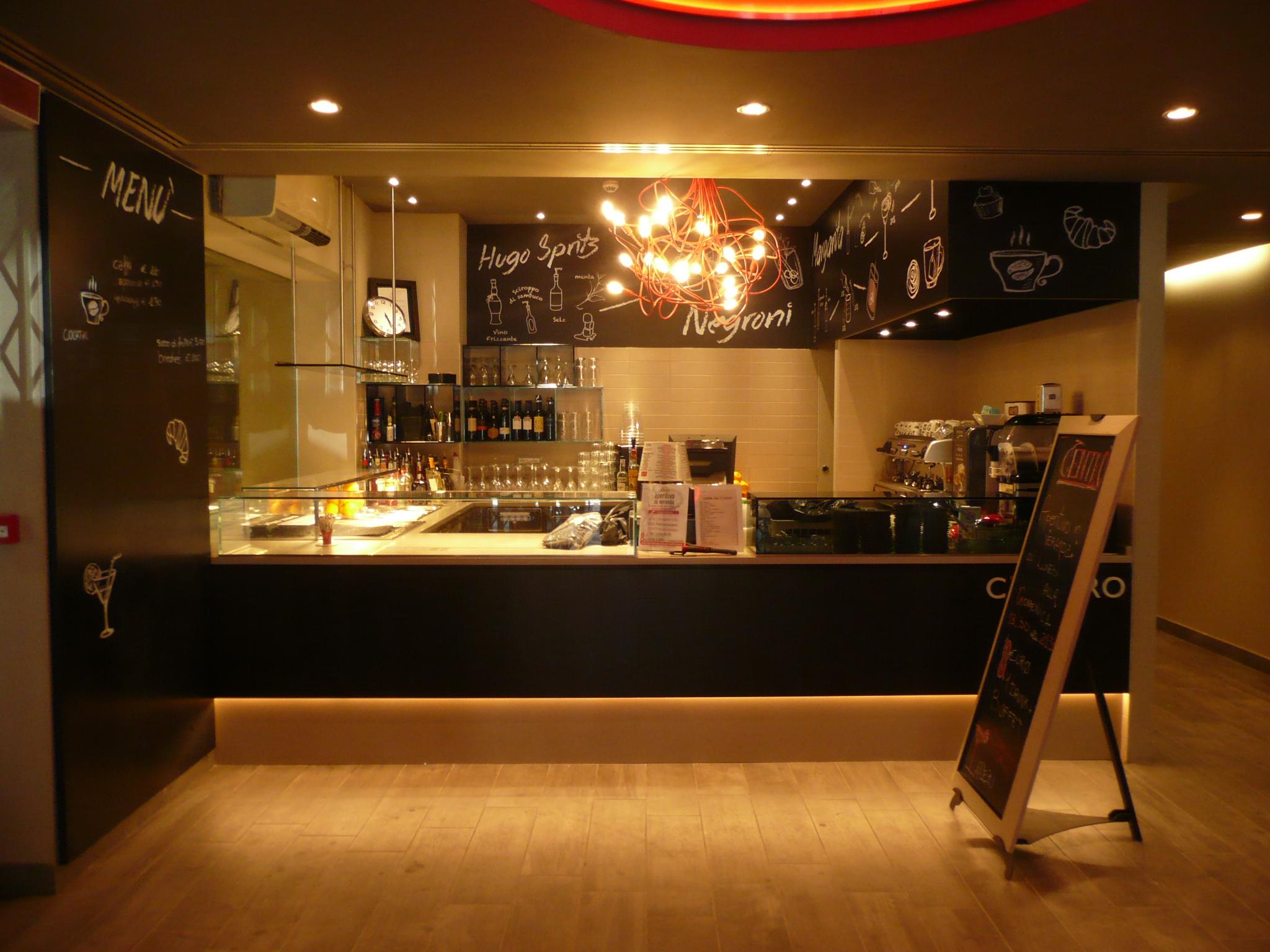 Arredamento su misura bar e ristoranti camst c 39 entro for Arredamento bar e ristoranti