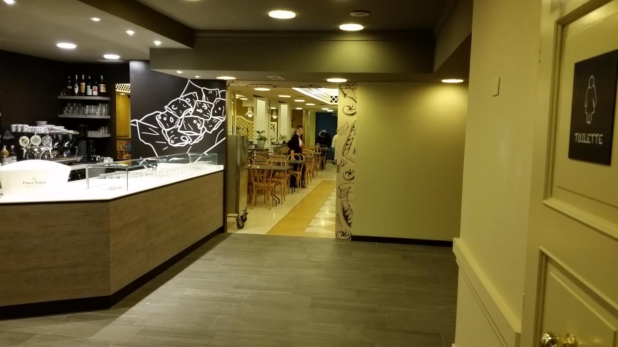 Arredamento su misura self service camst bologna for Arredamento bar e ristoranti