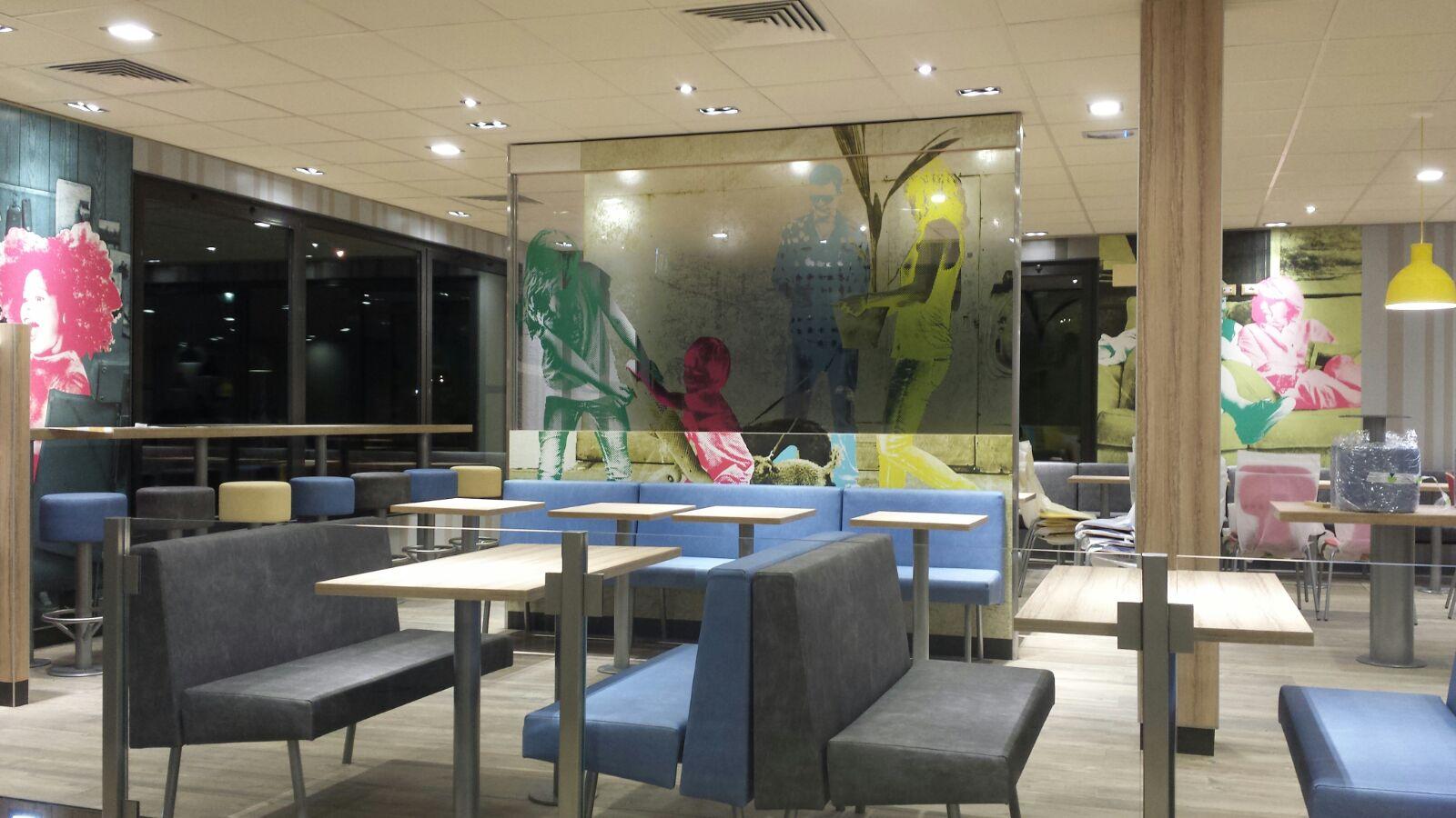 Arredamento bar e ristoranti mcdonald 39 s mirabilandia for Arredamento bar e ristoranti
