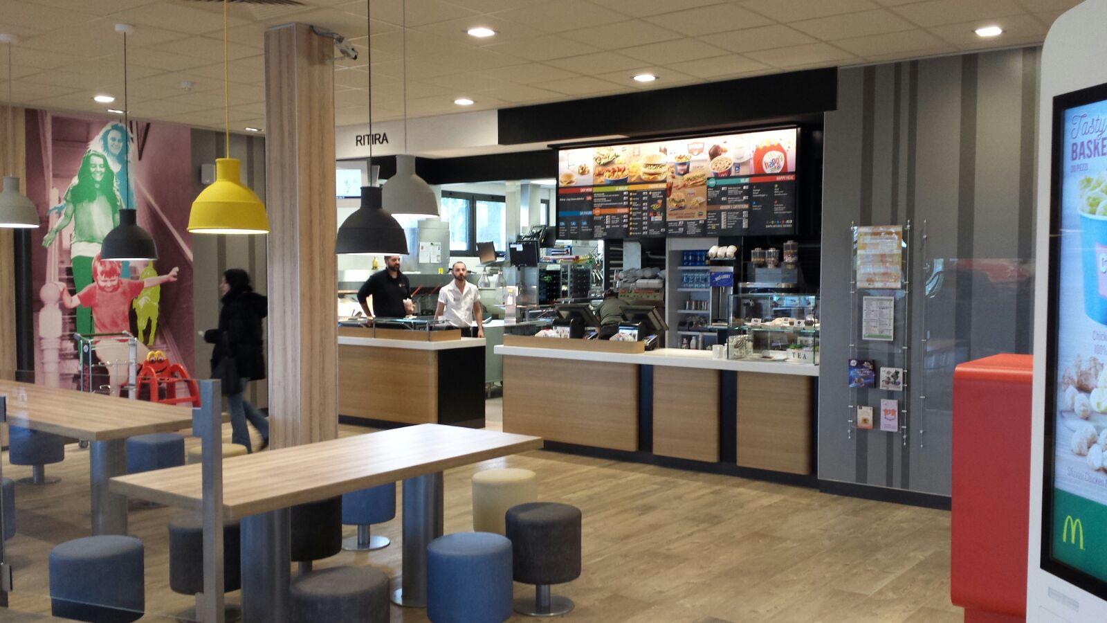 arredamento bar e ristoranti mcdonald 39 s mirabilandia