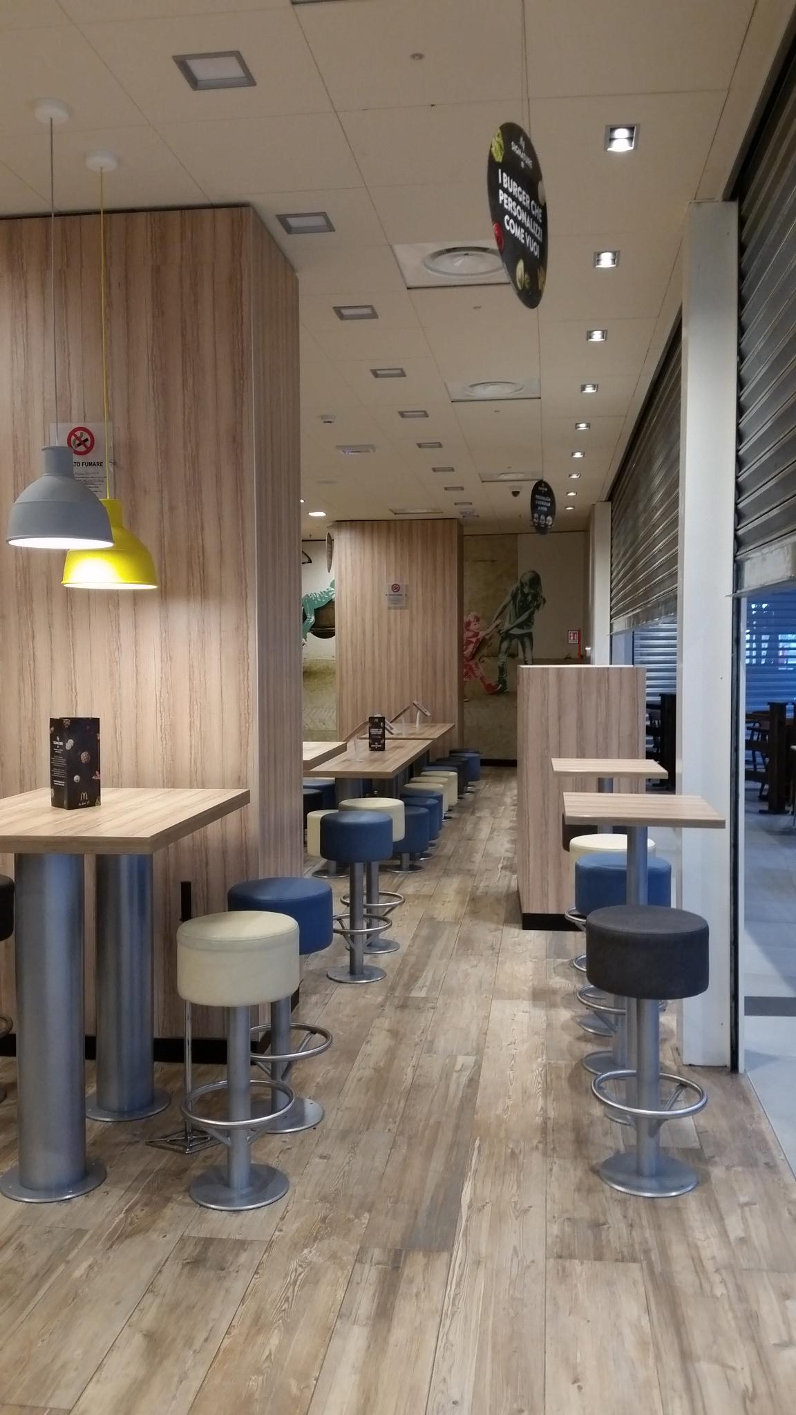Arredamento bar e ristoranti mcdonald 39 s foggia for Arredamento foggia