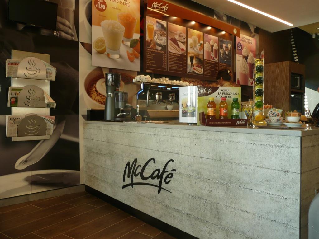 Mccafe rimini arredamento bar e ristoranti for Arredo negozi rimini